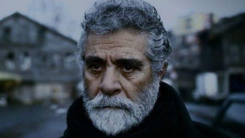 n00616106 t c035d24d69 900e6310763d5536c78777051b2a37d6 500x282 - انتقادات تند بهروز وثوقی از سه برادرش در ایران